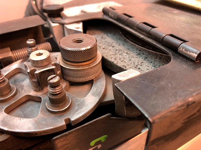 Как точить коньки и менять размер заточки
